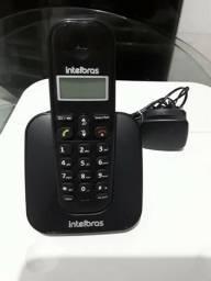 Telefone Intelbras preto. R$ 100,00
