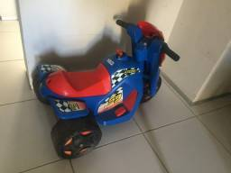 Moto infantil elétrica, consertar a bateria