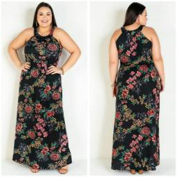 Vestido longo floral preto.