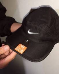 Boné Nike Dri-Fit.