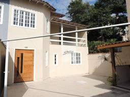 Duplex independente com 3 dormitórios à venda, 90 m² por R$ 330.000 - Jardim Mariléa - Rio