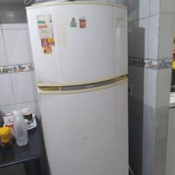 Geladeira 407 litros