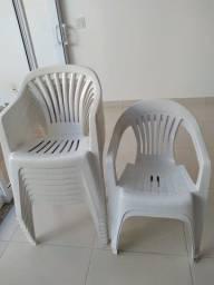 Cadeiras Plastico com Braço