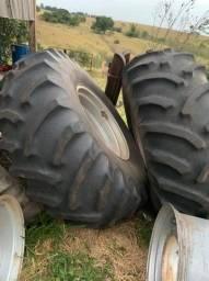 Rodas e pneus do case puma...