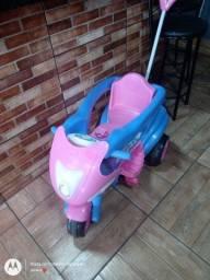 Vende-se carrinho de passeio calesita em ótimo estado