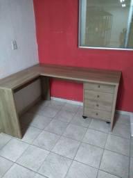 Mesa de escritório em formato L com gaveteiro (entrega gratuita)