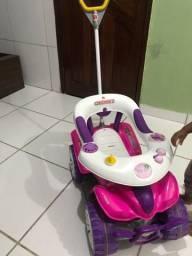 Carrinho de passeio infantil menina