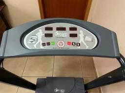 Esteira Elétrica Dream Fitness Dr 2110 110v/220v Preta 2.990,00