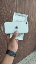 iPhone SE branco 128GB