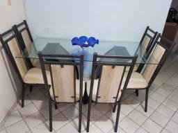 Conjunto de mesa bem conservado