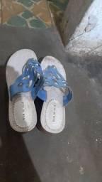 Vendo duas sandália feminina aceito menor preco