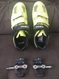 Sapatilha Giro, taco e pedal absolute