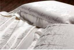 Vendemos conjunto de lençol de casal,seda italiana