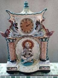 Porcelana Tasca anos 60 em forma de Buda , relógio de mesa