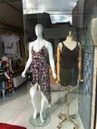 Movéis para loja de roupa
