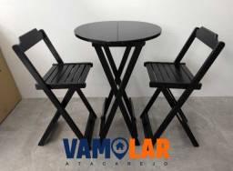 Jogo  bistrô com 2 cadeiras dobráveis produto impermeável produzido com madeira de lei.