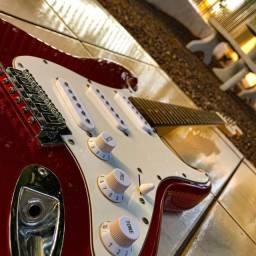 Guitarra Tagima MG32 com Afinador embutido