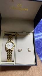 Vende-se relógios com um ano de garantia