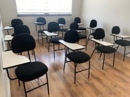 Jogo de cadeiras universitárias seminovas - 12 unidades disponíveis