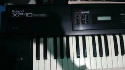Teclado Sintetizador Roland XP 10 ótimo estado