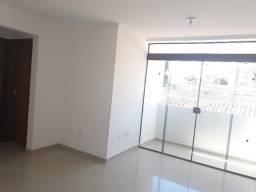 Apt de 2 quartos ,suíte e varanda a 300m² da principal