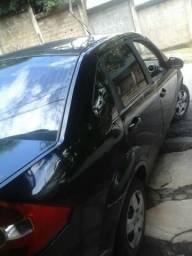 Ford Fiesta sedan 12500 - 2007