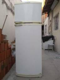 Geladeira fosfri Brastemp 330 litros