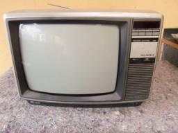 Tv antiga para restauro peças ler anuncio