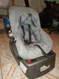 Bebê conforto com adaptador para carro