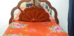 Vendo uma cama de casal espelhada com colchão de mola
