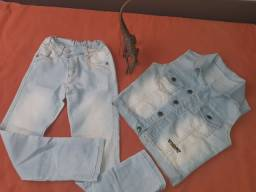 Calça jeans + colete infantil. Usado apenas 1 vez.  * Whatsapp