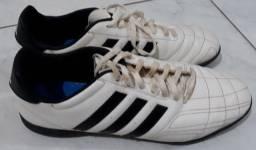 Chuteira Adidas - $50