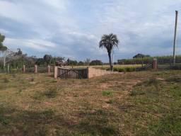 Velleda oferece belíssimo terreno plano de 1500 m², 1,5 km do asfalto