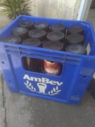 Vende-se vasilhames litrão com a grade 45$