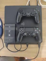 PS4 Slim 500GB + HD externo 1T + 2 controles