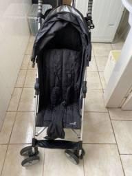 Carrinho de bebê do tipo guarda-chuva