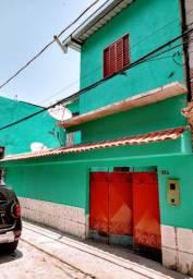 Aluga-se casa em Petrópolis com 4 quartos