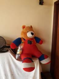 Urso grande ,de pelúcia
