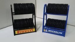 Miniatura Rack com pneus escala 1:18
