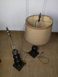 Par de Abajur grande em madeura antigo. 1metro