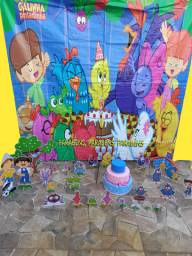Kit festa galinha pintadinha 30 peças (1 painel, 1 bolo fake, 28 displays)