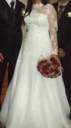 Vestido de noiva todo rendado tomara que caia