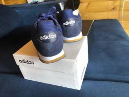 Tênis Adidas (novo- nunca usado)