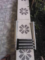 Escada de Inox Retrátil Vendo uma escad