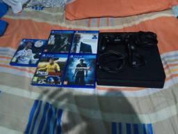 PS4 Slim com 5 jogos.