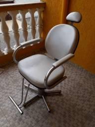 Vendo cadeira hidraulica usada
