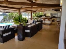 Residência de luxo no Condomínio Vivenda do Broa - Itirapina, SP.
