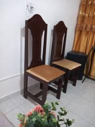 6 Cadeiras de madeira semi nova