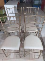 4 cadeiras semi nova *** entrego