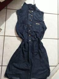 Dois vestidos jeans tamanhos M por 20$